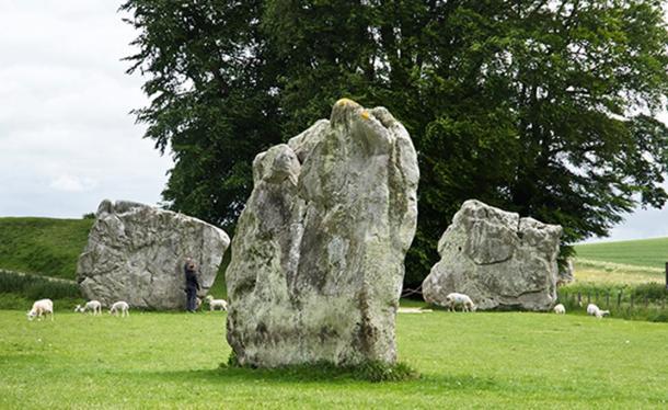 Các tảng đá còn sót lại ở di chỉ Avebury. (Ảnh: Freddy Silva)